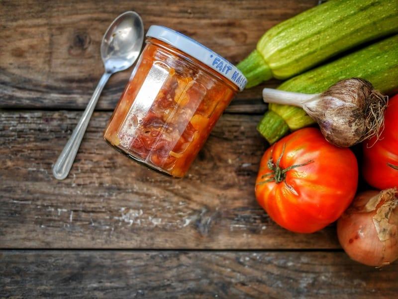Conserves de sauce de tomates cerises