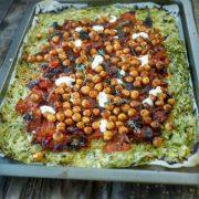 courgettes râpées, pois chiches et tomates