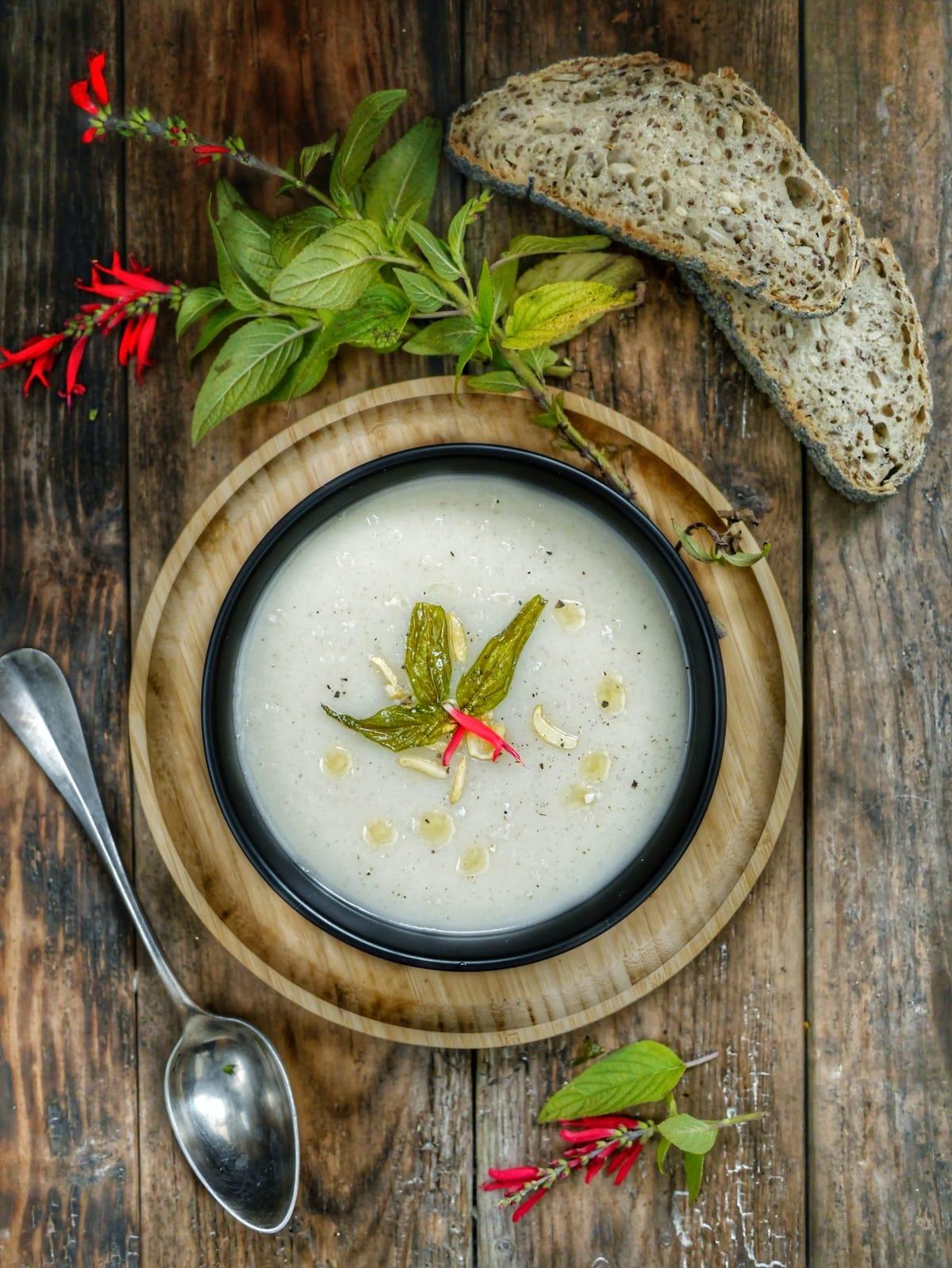 soupe de topinambour à la sauge