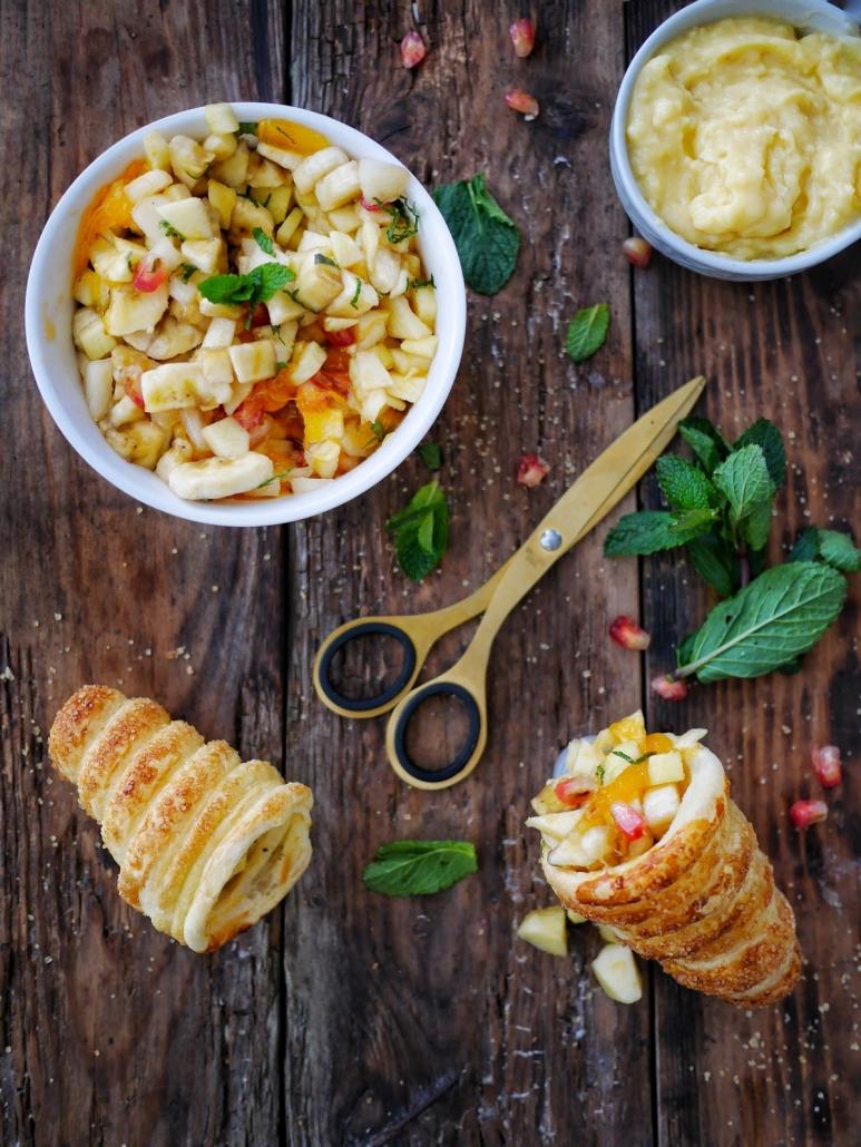 Cornets feuilletés, curd orange et fruits d'hiver