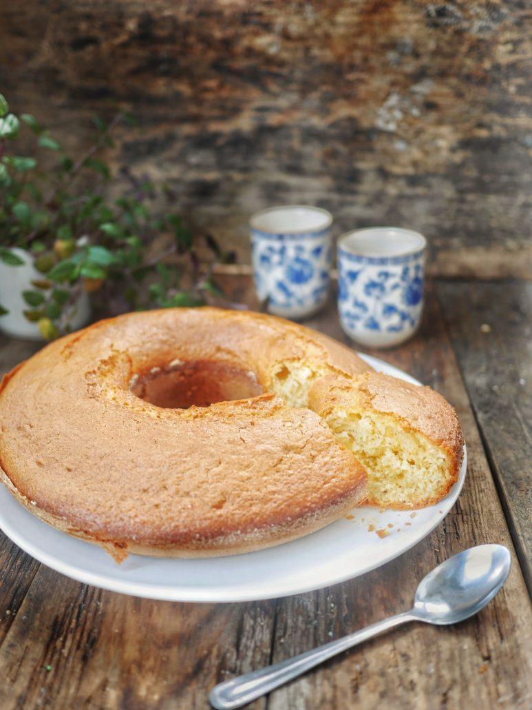 Le gâteau au yaourt, aussi appelé gâteau rond