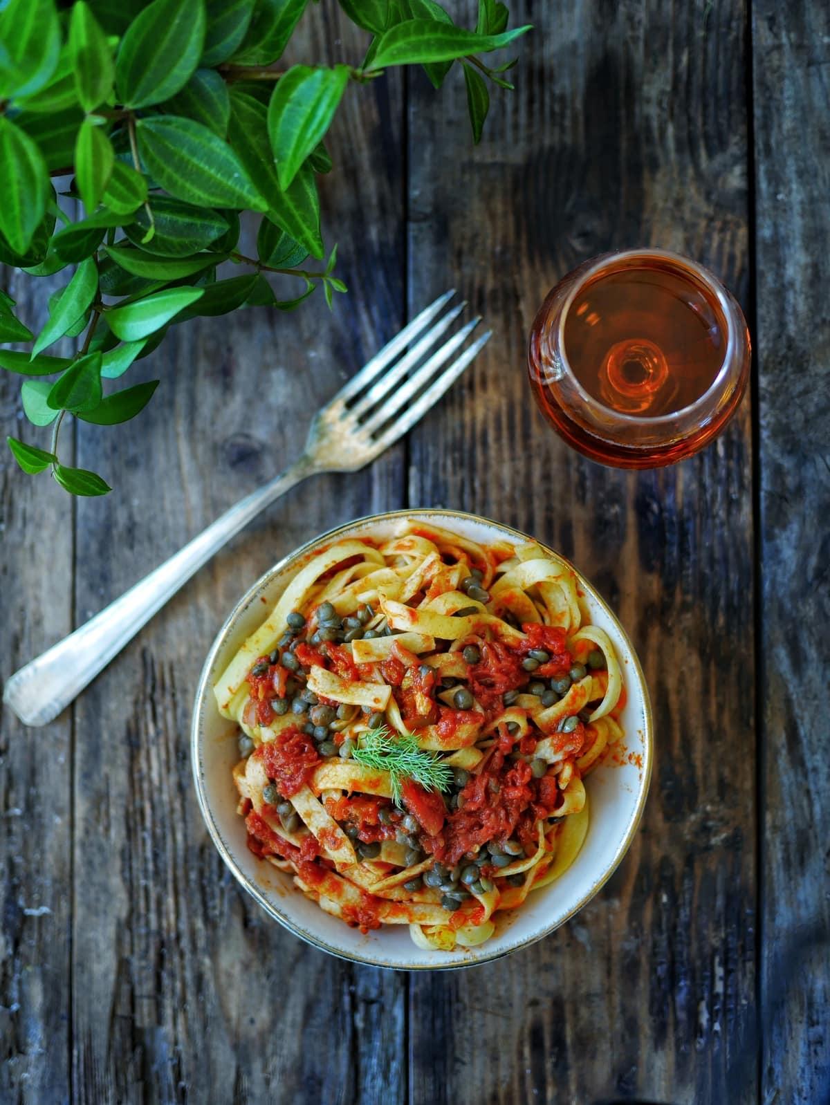 Pâtes sauce tomate et lentilles
