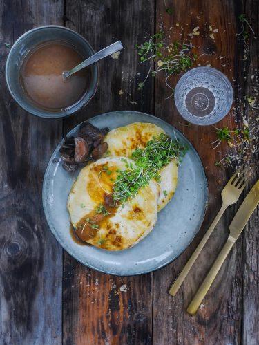 recette de steack de céleri sauce aux champignons
