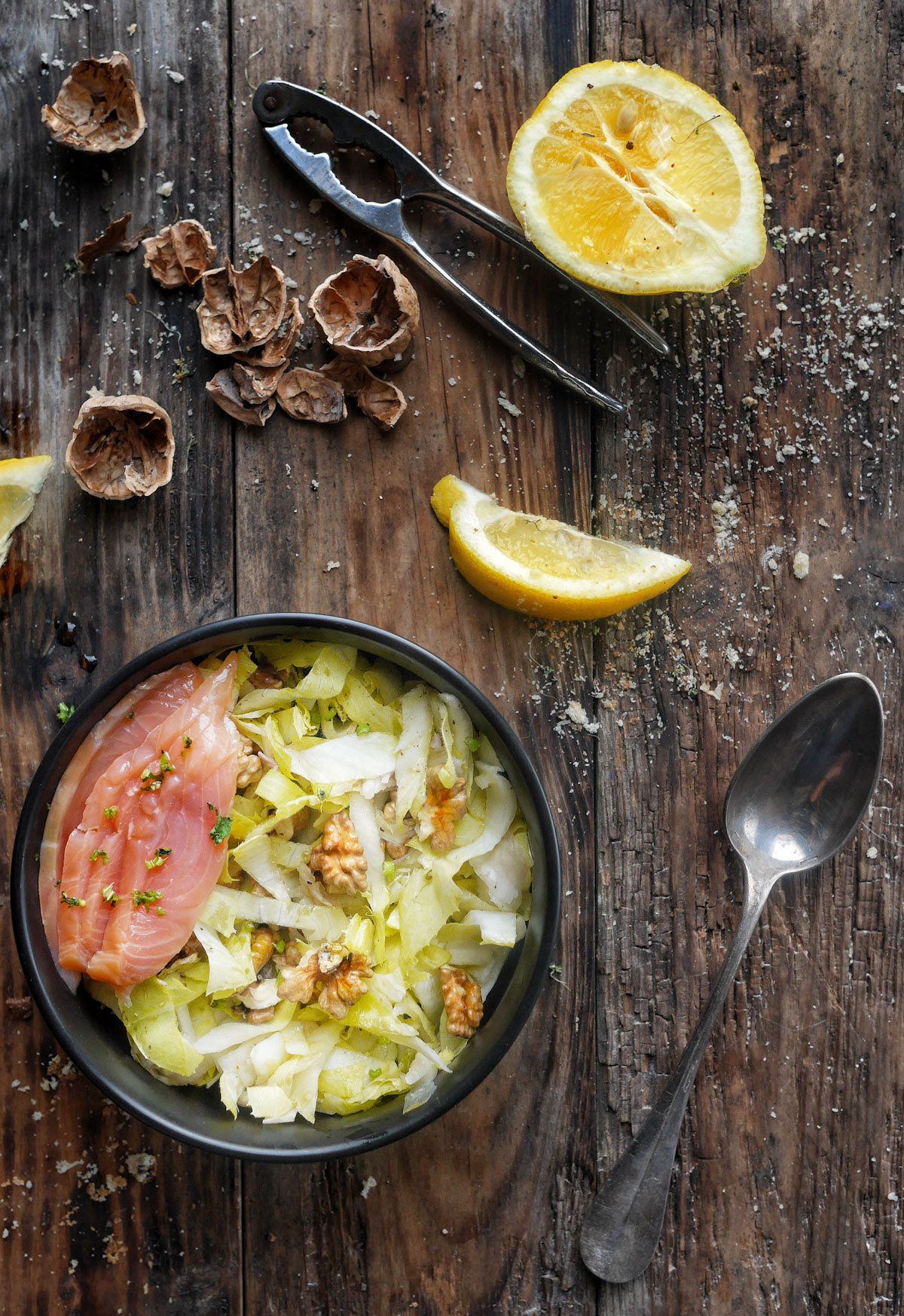 endives en salade noix et saumon fumé