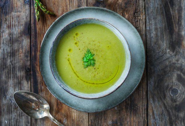 recette de soupe d'asperges vertes à la coriandre
