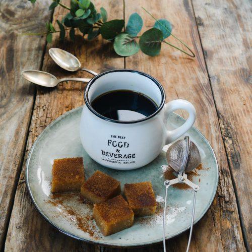 halva et tasse à café