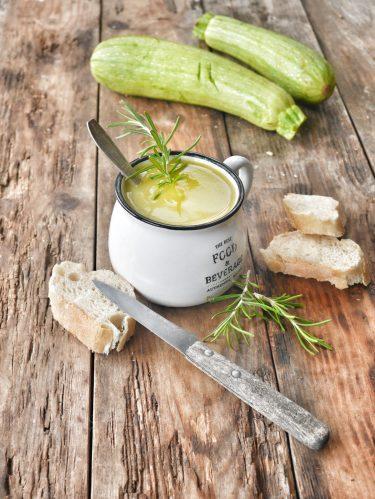 soupe de courgettes au romarin
