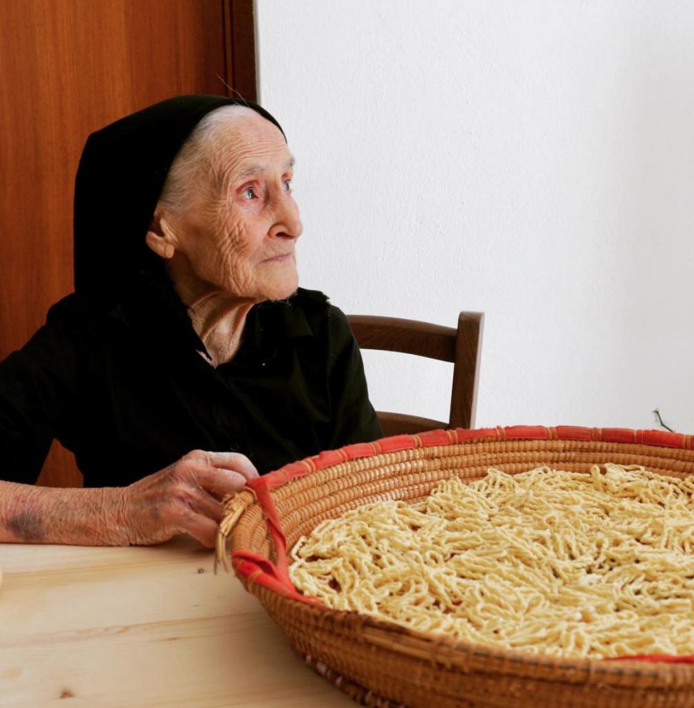 Quand les grands-mères italiennes partagent leurs secrets pour faire la pasta