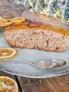 Gâteau aux épices de Noël et nappage confiture