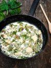 un plat de gnocchis épinards au parmesan
