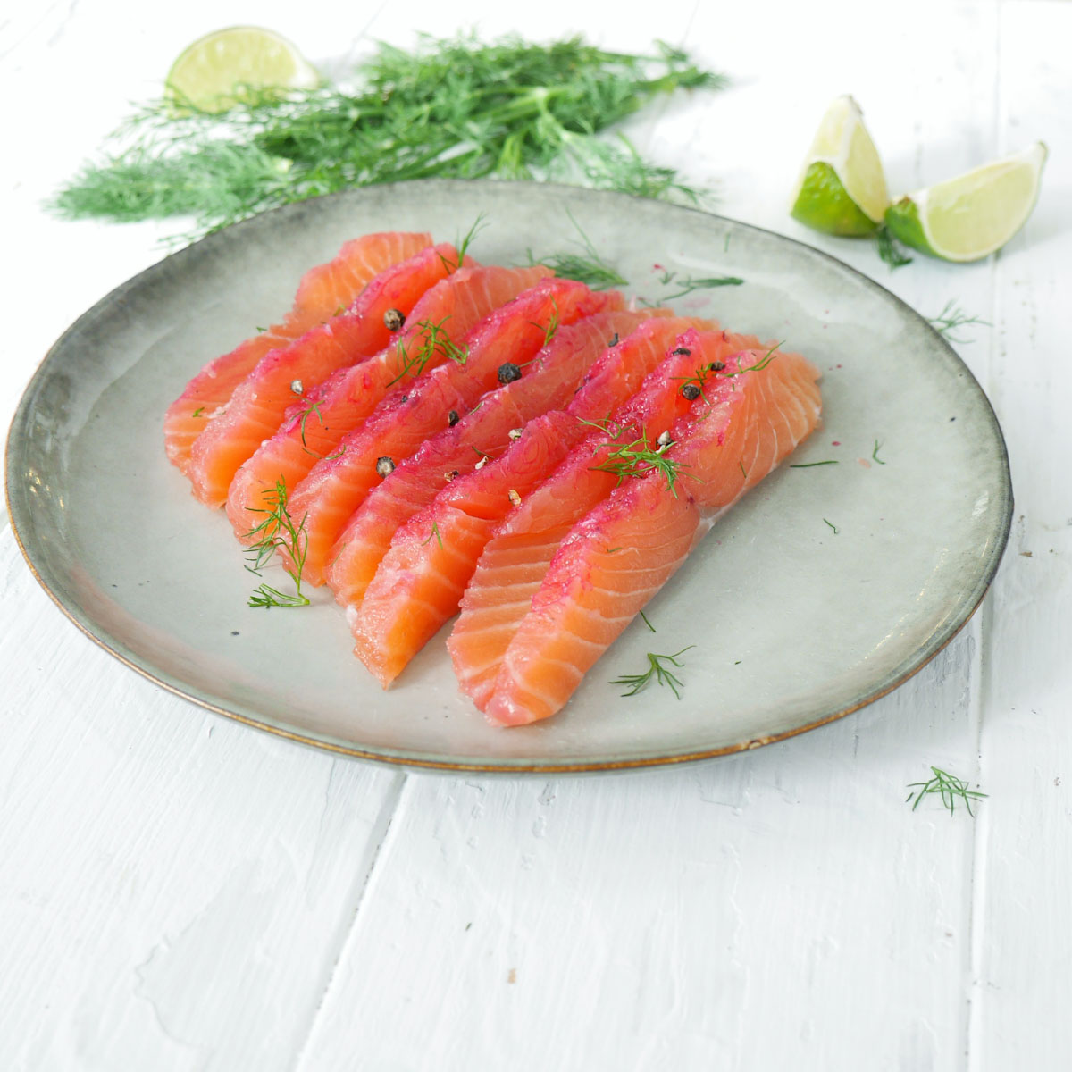 assiette de gravlax de saumon à la betterave