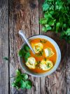 bol de soupe de courge aux tortellinis