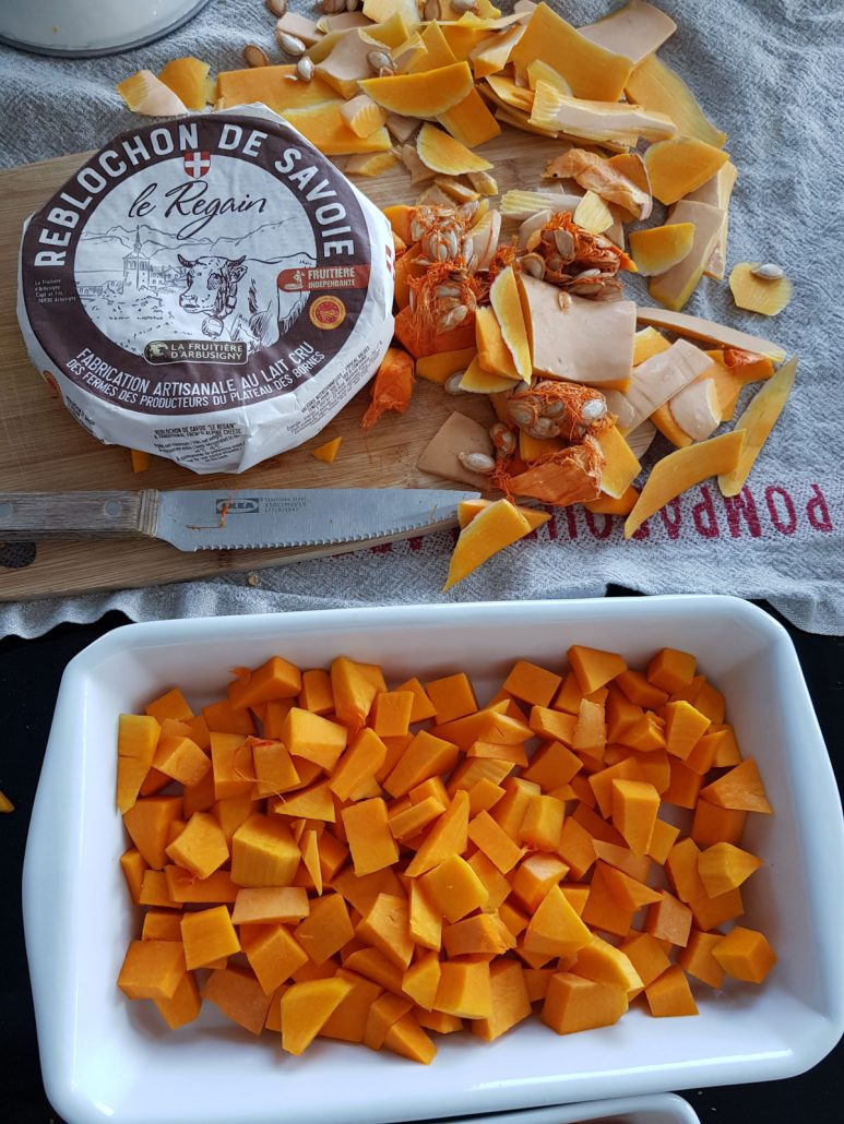 butternut épluchée et coupée en morceaux et reblochon