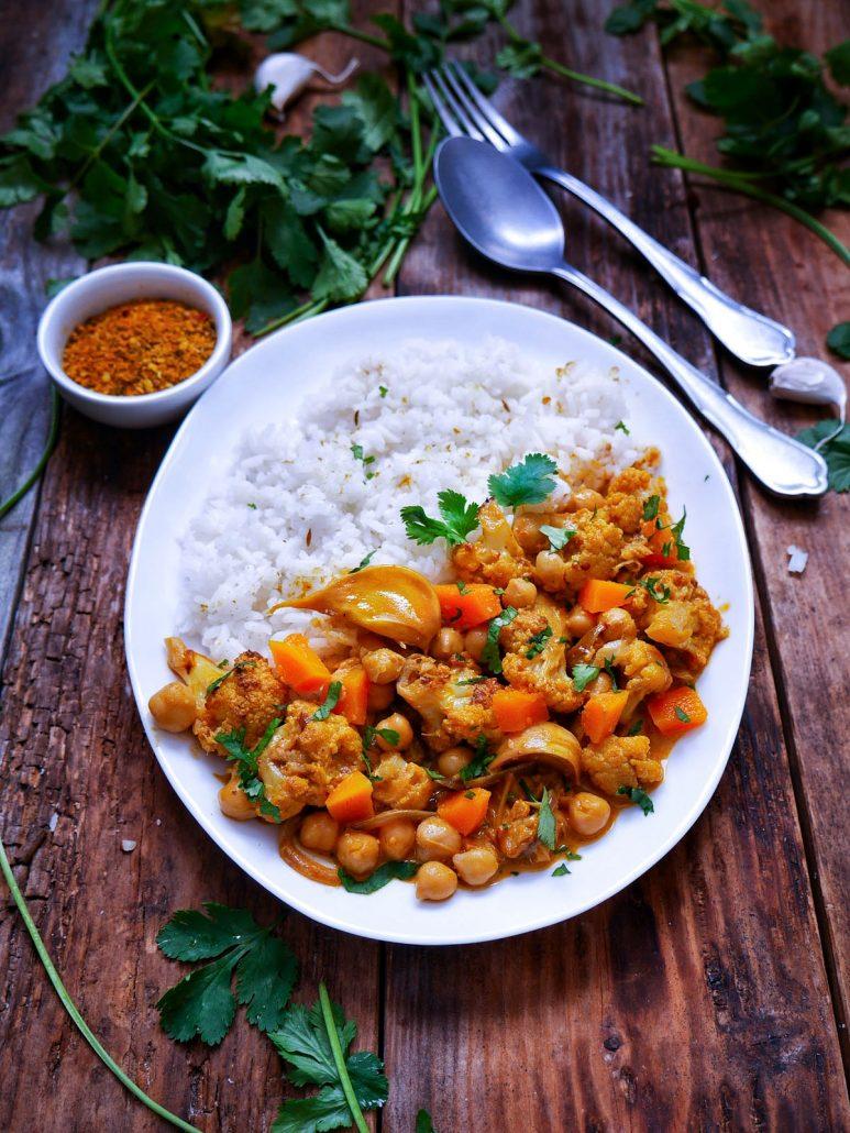 Curry de chou-fleur, pois chiches et butternut