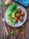 Assiette de falafels de lentilles corail