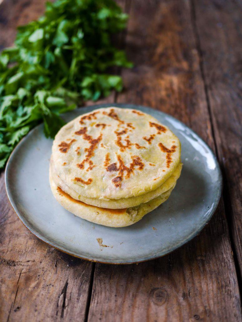 Pain marocain farcis pommes de terre thon
