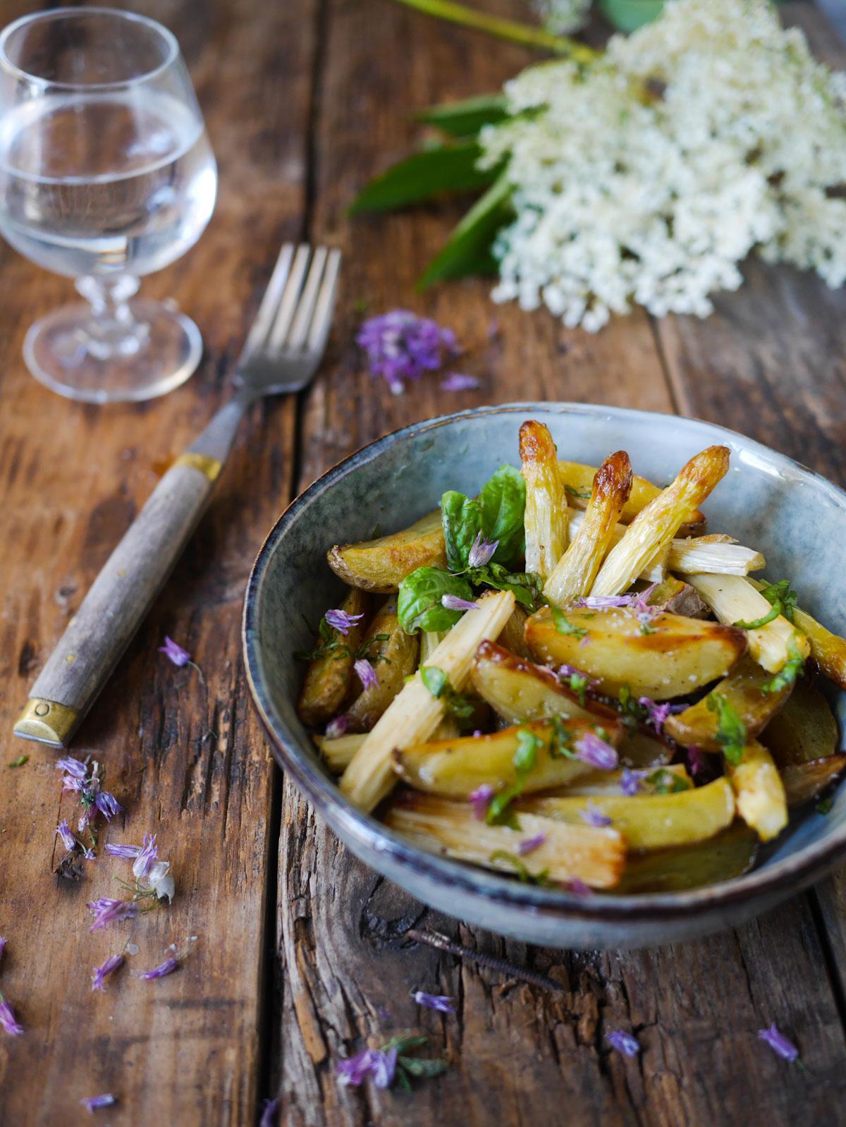 asperges blanches au four et pommes de terre rôties