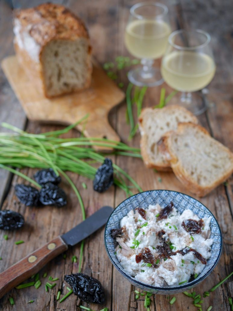 tartinade de thon au fromage frais et pruneaux