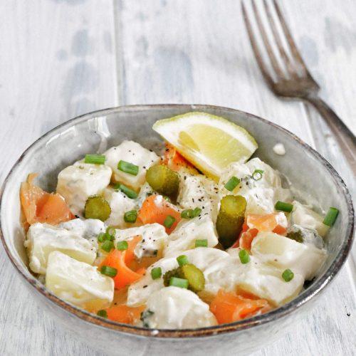 Salade de pommes de terre saumon, cornichons, et citron