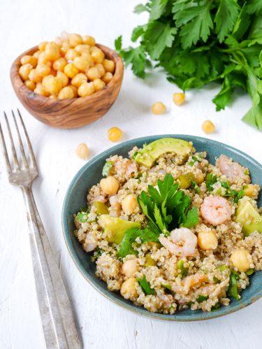 Salade quinoa crevettes, saumon avocat