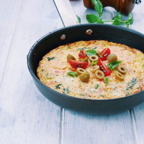 frittata aux tomates, basilic et olives