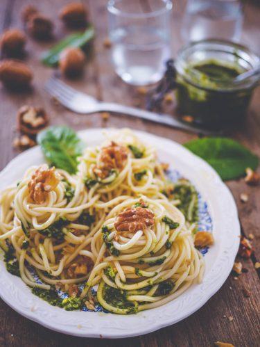 spaghettis pesto oseille et noix