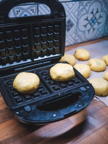 Gaufres de liège fourrées au caramel beurre salé