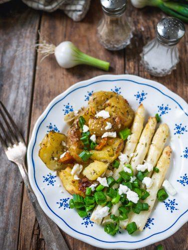pommes de terre et asperges au four