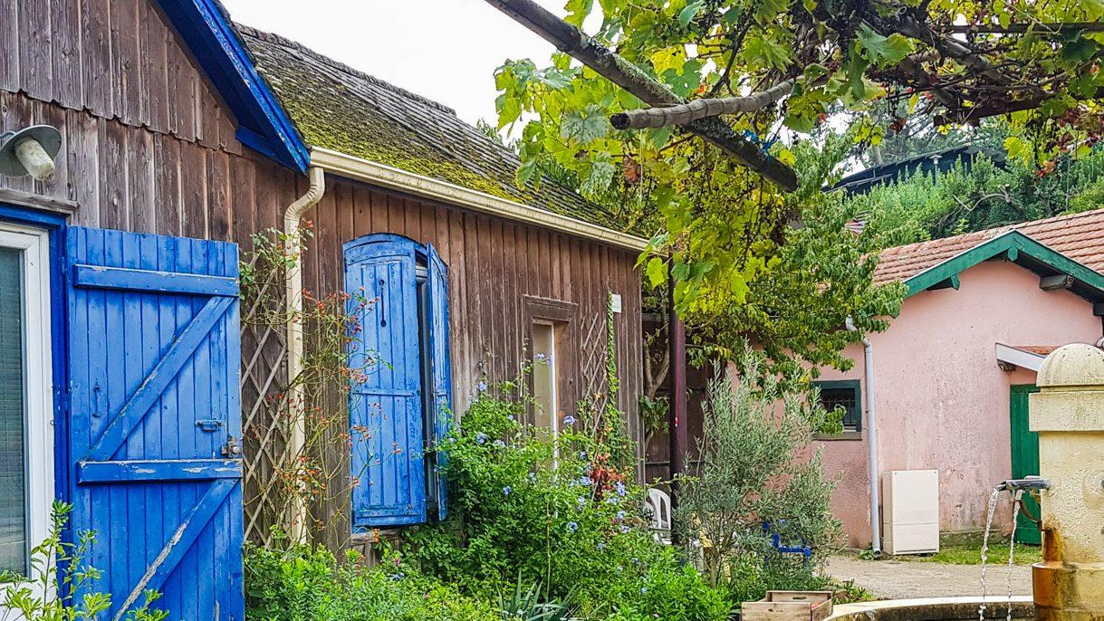 Le village de l'herbe et ses cabanes à huitres