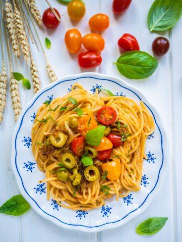 Spaghettis aux tomates cerises et tomates confites
