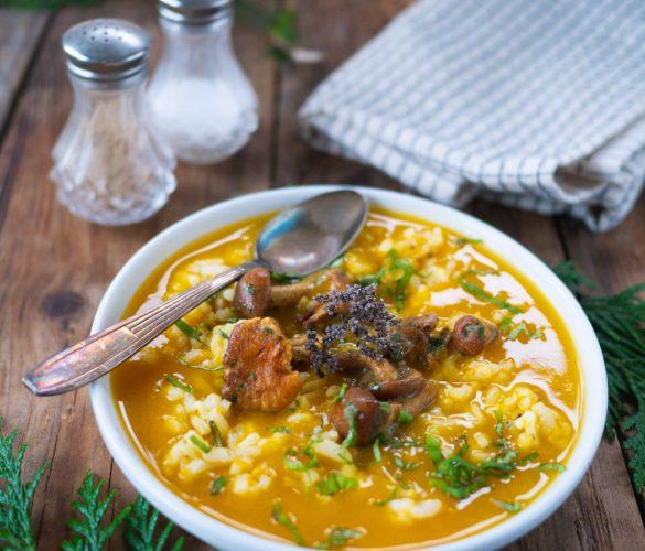 Soupe de riz, butternut et champignons persillade