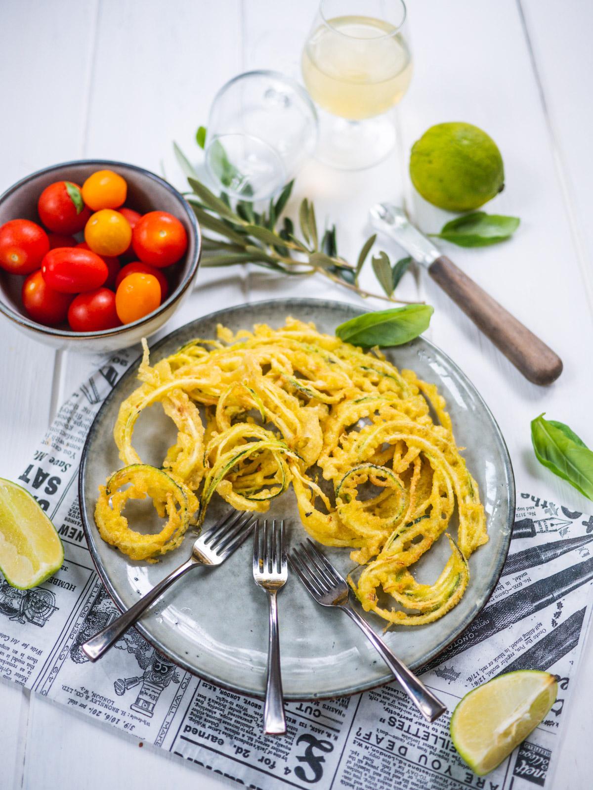 tempura de spaghettis de courgettes